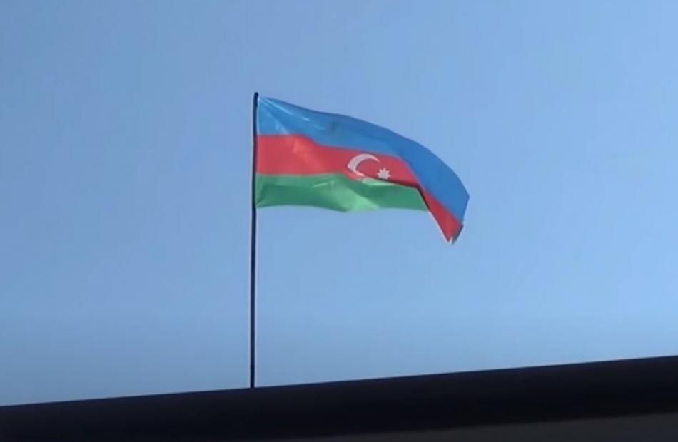 2020/10/1602659021_hadrut-azerbaycan-bayragi_244.jpg