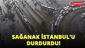 Sağanak İstanbul'u durdurdu! Trafik felç oldu!..