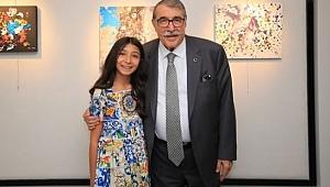 11 yaşındaki ressam Meva Günay hayran bıraktı