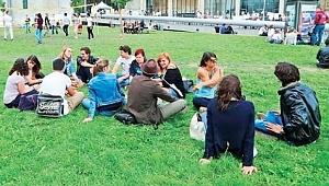 Fransa'da Müslüman öğrencilerin fişlenme yöntemi pes dedirtti