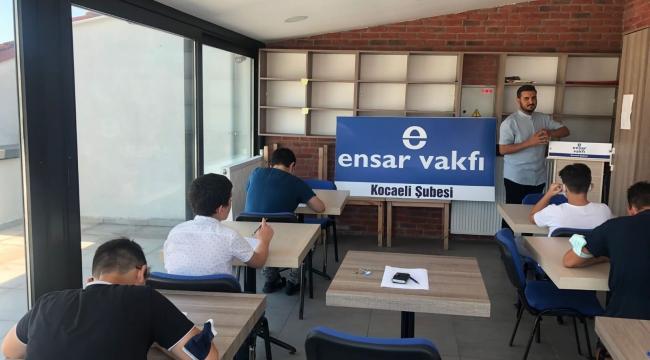 Genç Ensar Kocaeli Nebi Güdük Kültür Merkezinde Genç Şahsiyetlerin Sınavını Yaptı.